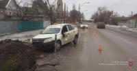 Под Волгоградом водитель такси сбил пенсионерку