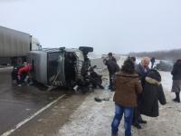 Под Волгоградом в столкновении микроавтобуса и легковушки пострадали пять человек