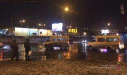 На севере Волгограда напротив гипермаркета водитель сбил 25-летнюю девушку