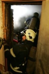 На юге Волгограда горел трехэтажный жилой дом