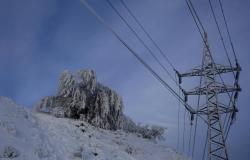 Волгоградцев на выходные ожидает сильный снег и ветер