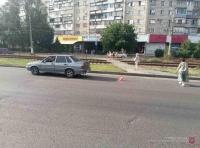 На юге Волгограда водитель сбил двух девушек-школьниц