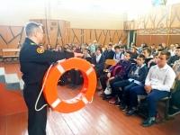 Юным волжанам рассказали об опасности на воде