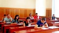 Порошенко разрешил крымчанам поступать в украинские ВУЗы