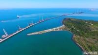 Строительство Крымского моста в Керченском проливе вдоль мыса Ак-Бурун