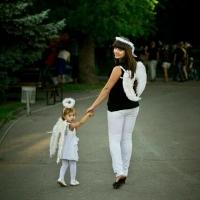 Волгоградцы готовят костюмы ко «Дню любленных по-русски»