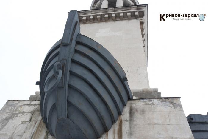 Истинное состояние маяка в Красноармейском районе волгоградцам показал лед. ФОТО