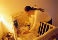 Минтруд предлагает одаривать каждого новорожденного
