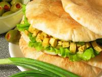 Почти 22 тысячи родителей запретили детям покупать крендели и бутерброды