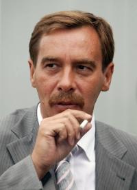 Главным борцом с коррупцией в России стал Андрей Чоботов