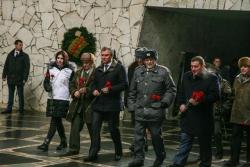 Депутаты Госдумы возложили цветы на Мамаевом Кургане