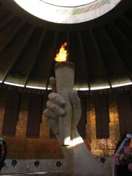 В Волгограде чиновники «погасили» более 50 вечных огней