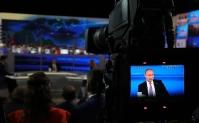 После вопроса Путину на школьника «свалился» золотой смартфон