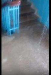 На севере Волгограда подъезд дома затопило горячей водой