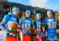 Российские биатлонисты выиграли золото в эстафете