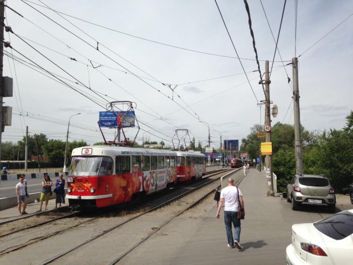 Трамваи в сторону «Центра» встали из-за «мастера парковки»