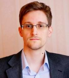 Сноудену продлили вид на жительство до 2020 года