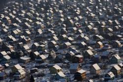 В Киргизии грузовой самолет упал на дачный поселок