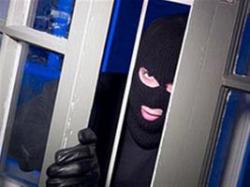 В Волгограде поймали двух братьев, грабивших квартиры через окно