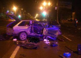 В Волгограде на проспекте столкнулись два ВАЗа: двое погибших и двое раненых