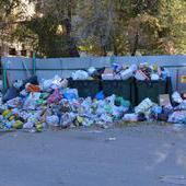 В Волгограде не решена ситуация с вывозом мусора
