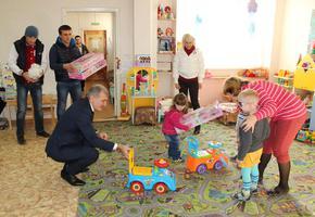 Национальные общины Волгограда помогают коррекционным школам-садам