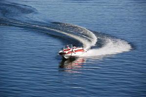 В Волгограде владельцам моторных лодок и гидроциклов предлагают пройти курсы судовождения